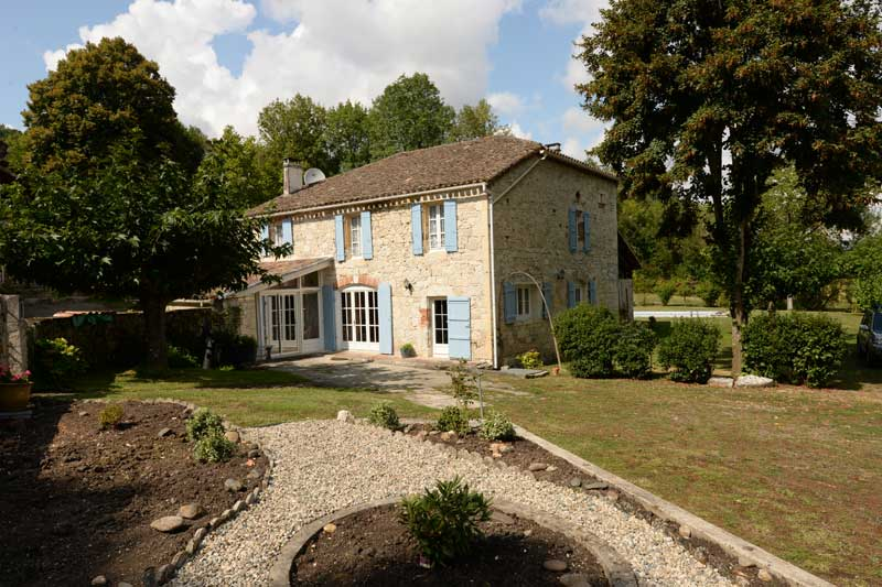 Fine Stone Country Houses and Traditional Homes for Sale in France
