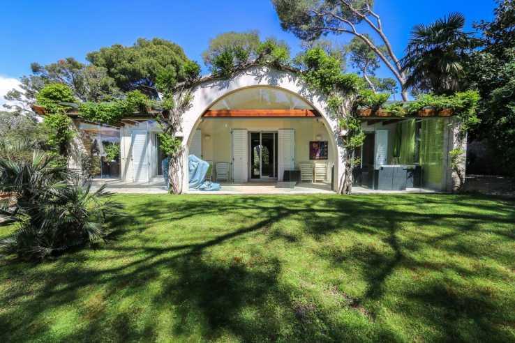 Luxury House for sale in Saint-jean-cap-ferrat